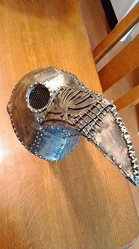 Rabiyaさんギャクヨガ様の型紙を借りてペストマスクを作りました!! 素敵な型紙と作り方でいい感じに出来ました ありがとうございます